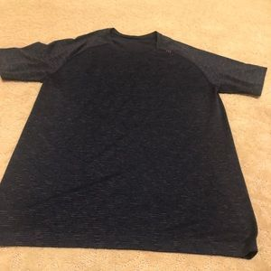 Lulu Lemon workout shirt